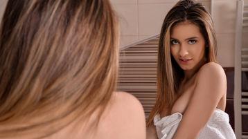 Show di sesso su webcam con InnocentFleur – Ragazze su Jasmin