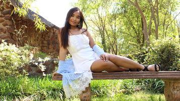 Show fierbinte la webcam KhmerKimmie  – Fata pe Jasmin