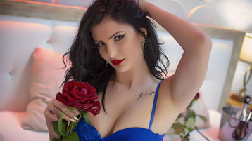 Show fierbinte la webcam MyaDear  – Fata pe Jasmin