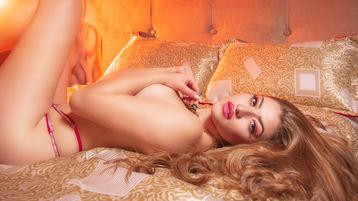 Show fierbinte la webcam CrisMorrison  – Fata pe Jasmin