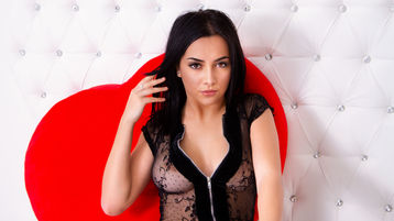 Show fierbinte la webcam AydaMorrow  – Fata pe Jasmin