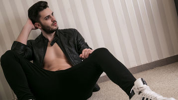 Show quente na webcam de AnthonyLopessX – Rapaz para Elas em Jasmin