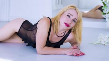 AgataFoxX's hot webcam show – Mature Woman on Jasmin