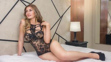 Show fierbinte la webcam JennyWilliams  – Fata pe Jasmin