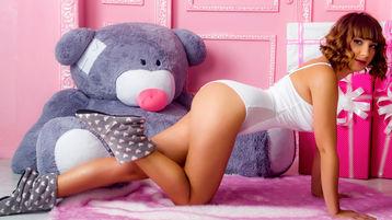Show fierbinte la webcam MalenaFlirt  – Fata pe Jasmin