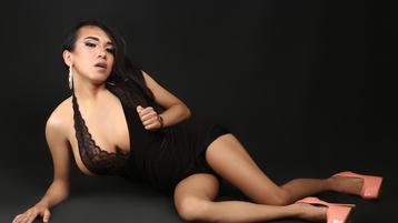 Show di sesso su webcam con IOincYoungCock – Transessuali su Jasmin