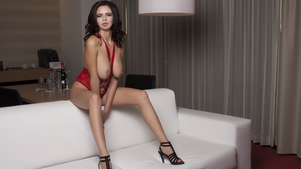 YhotsexyboobsY's hot webcam show – Girl on LiveJasmin