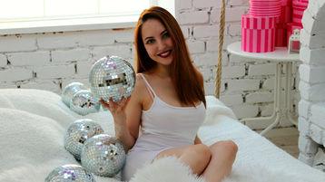 Show fierbinte la webcam StarLighttt  – Suflet pereche pe Jasmin