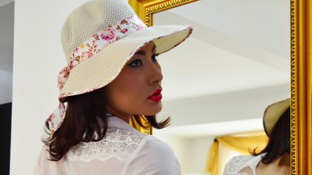 hotgirls4yuo profilképe – Lány LiveJasmin oldalon