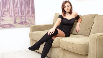 Show di sesso su webcam con AllexiYa – Hot Flirt su Jasmin
