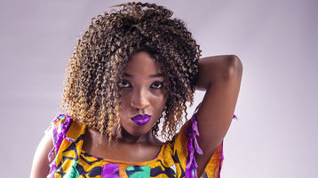 Show-ul fierbinte al lui SexyEbonyBaby – Fata pe Jasmin