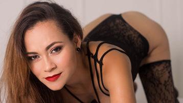 Show fierbinte la webcam RachellHart  – Fata pe Jasmin