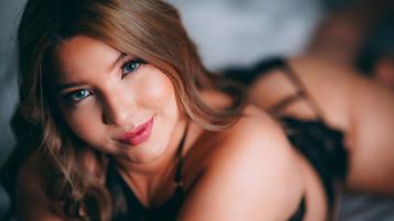 Show fierbinte la webcam AnneCruse  – Fata pe Jasmin
