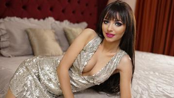 Show fierbinte la webcam MeldaLorys  – Fata pe Jasmin