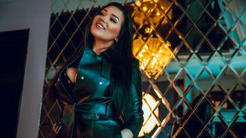 Show fierbinte la webcam RebeccaBlussh  – Fata pe Jasmin