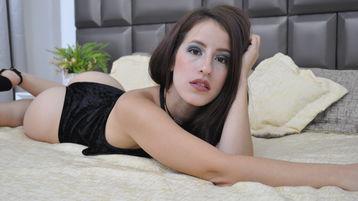 Sexy show su webcam di SophieAcker – Donna su Jasmin