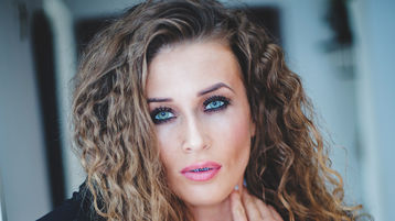 Show caliente de webcam de MikaAngell – Flirteo Caliente en Jasmin