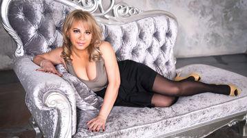 Show-ul fierbinte al lui BeverlyTits – Femeie Matura pe Jasmin