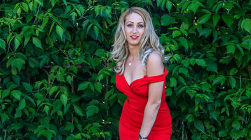 Show fierbinte la webcam AnaysBlonde  – Fata pe Jasmin