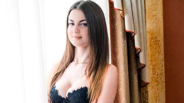 KarolinaMeaty tüzes webkamerás műsora – Lány Jasmin oldalon