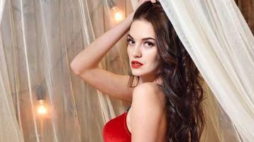 Show fierbinte la webcam HotcatLilu  – Fata pe Jasmin