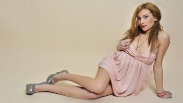 Show fierbinte la webcam CassieEllis  – Fata pe Jasmin