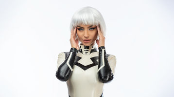 Show fierbinte la webcam NatalieLynn  – Fata pe Jasmin