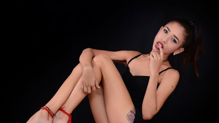 SkinnyPussyHot's profile picture – Girl on LiveJasmin