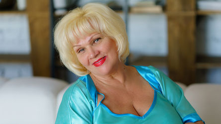 BustyAnnette's profile picture – Mature Woman on LiveJasmin