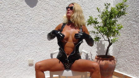 LucyCam4u's profile picture – Mature Woman on LiveJasmin