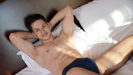 MikeyDiaz's profile picture – Gay on LiveJasmin