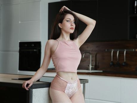 NaomiBlows