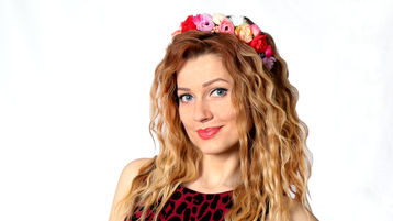 Show di sesso su webcam con Karolina555 – Hot Flirt su Jasmin