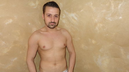 HugeCockJoey's profile picture – Boy for Girl on LiveJasmin