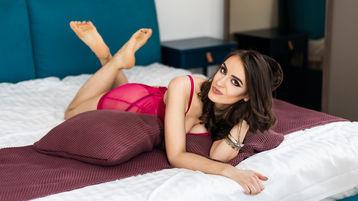 Show fierbinte la webcam AshleyJule  – Fata pe Jasmin