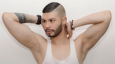 AGUSTIN9INCHES's profile picture – Gay on LiveJasmin