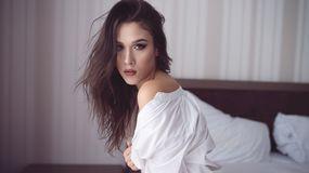 AnyaShiver žhavá webcam show – Sexy Flirt na LiveJasmin