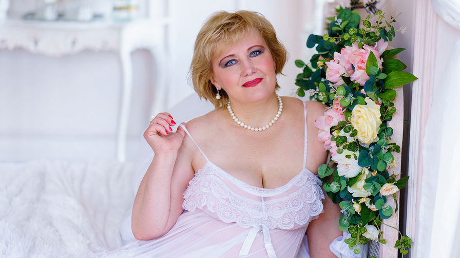 HayleeHole's profile picture – Mature Woman on LiveJasmin