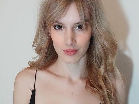 ElleHana