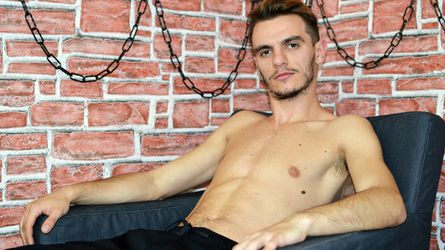 LouisEmerald's profile picture – Gay on LiveJasmin