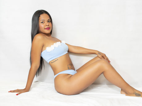 NicoletteLombard