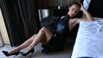 Show fierbinte la webcam TaniaLoren  – Femeie Matura pe Jasmin