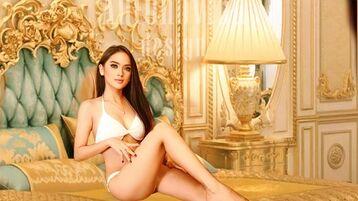 Show fierbinte la webcam SofiaVictoriaLuv  – Fata pe Jasmin