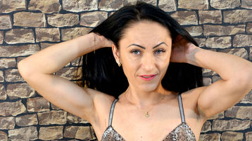 Show di sesso su webcam con MilenaLorrie – Donne Mature su Jasmin