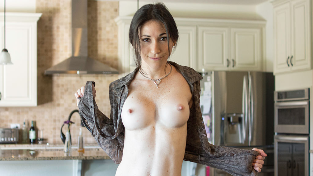 JuneHartley's hot webcam show – Girl on LiveJasmin