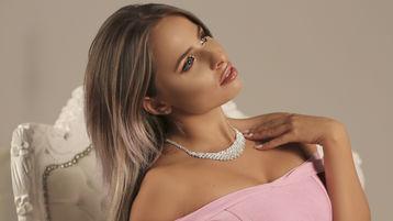 BeautifulDelilah:n kuuma kamera-show – Nainen sivulla Jasmin