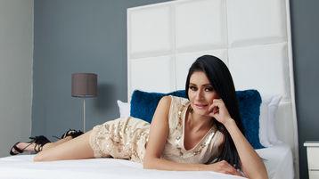 Show fierbinte la webcam SofiaHauss  – Fata pe Jasmin