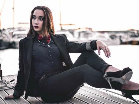 DanielleWinston