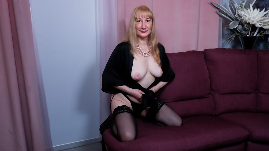 EmmaHeaven's profile picture – Mature Woman on LiveJasmin