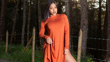 Show fierbinte la webcam Sharlotthe  – Fata pe Jasmin